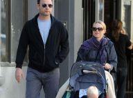 REPORTAGE PHOTOS :  Naomi Watts, très enceinte, se balade avec les deux hommes de sa vie mais... prend des risques !!