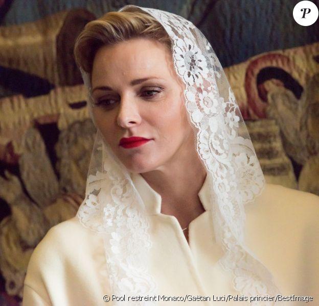 Le prince Albert II et la princesse Charlene de Monaco ont été reçus en audience privée par le pape François le 18 janvier 2016 au Vatican. © Pool restreint Monaco/Gaëtan Luci/Palais Princier/BestImage