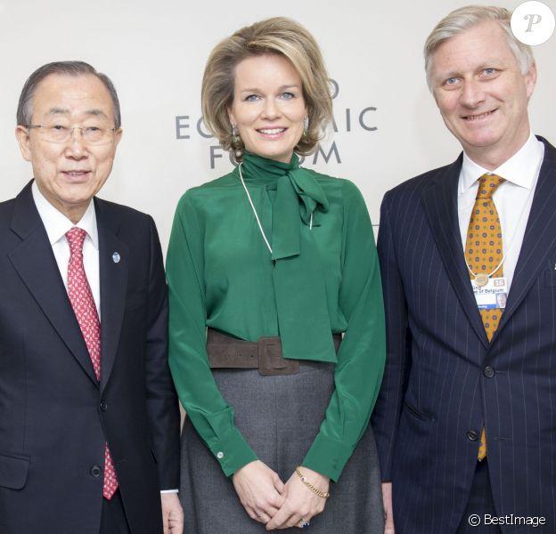La reine Mathilde et le roi Philippe de Belgique ont rencontré le secrétaire général de l'Organisation des Nations unies Ban Ki-moon le 21 janvier 2016 lors de la 46e édition du Forum économique mondial de Davos.