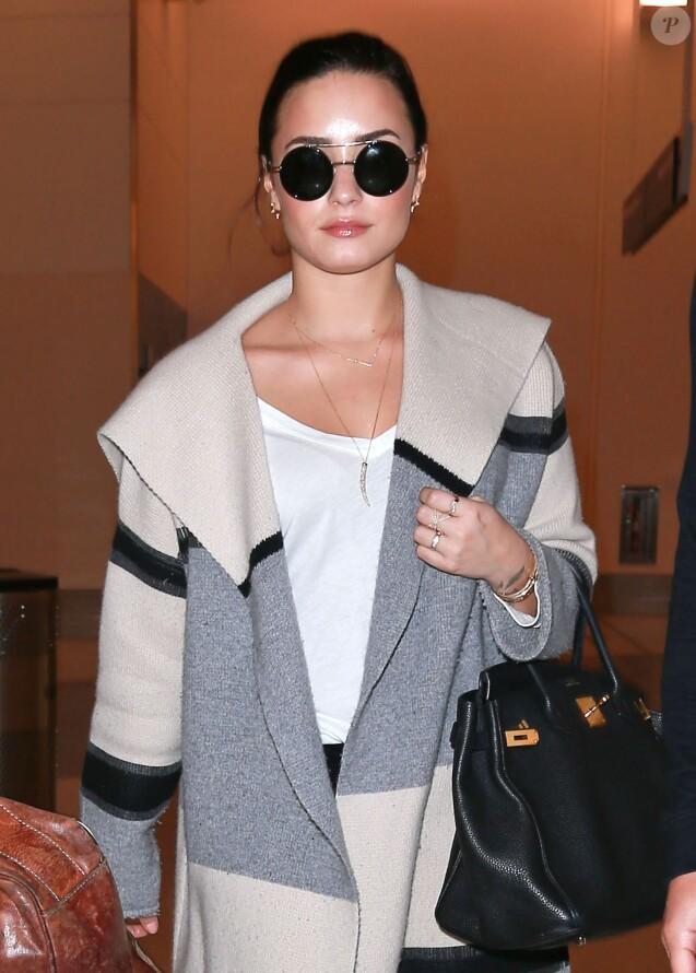 qui est Demi Lovato datant en ce moment transmetteur de pression de vapeur brancher