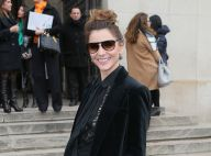 Fashion Week : Clotilde Courau chic en noir au défilé Elie Saab