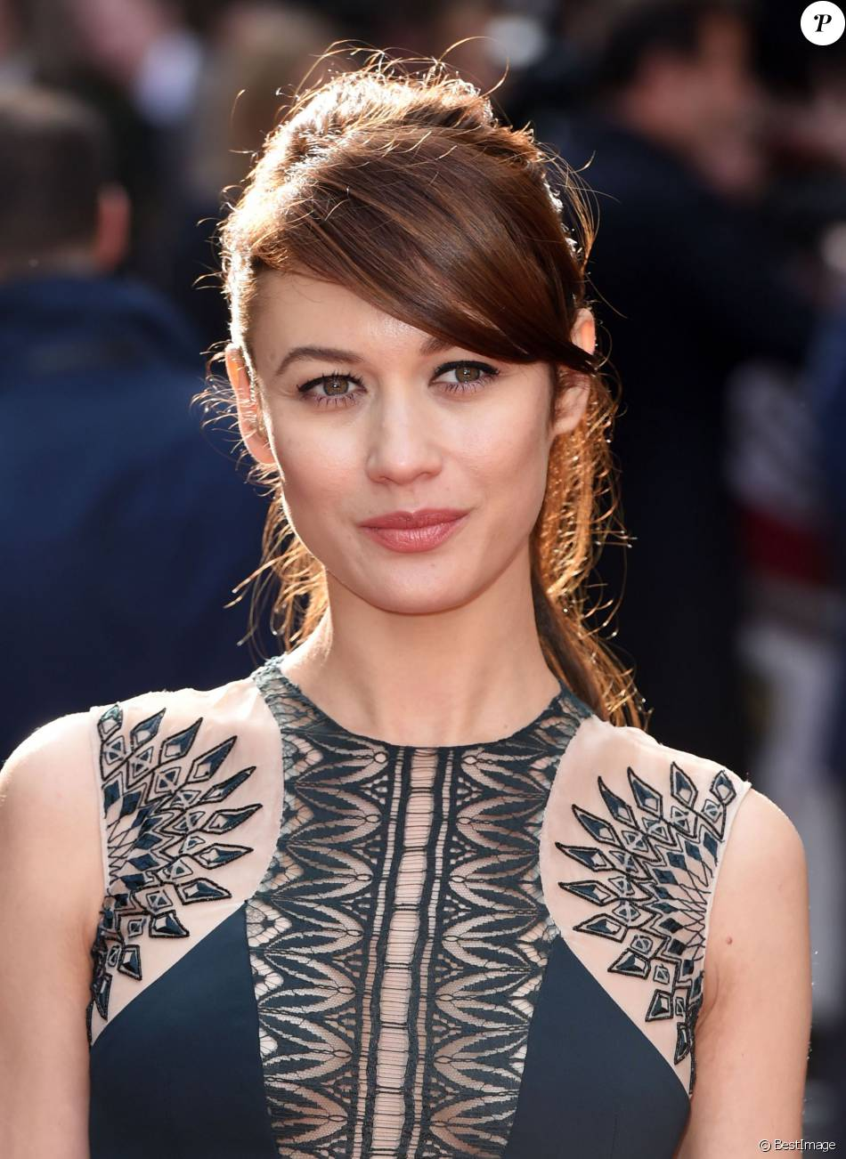 olga kurylenko arriv e des people la soir e jameson empire awards 2015 londres le 29 mars. Black Bedroom Furniture Sets. Home Design Ideas