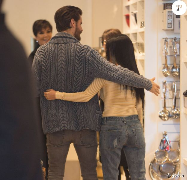 Kourtney Kardashian et Scott Disick au magasin Williams-Sonoma à Calabasas. Le 2 février 2016.