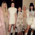 Khloé Kardashian, Kendall Jenner, Kourtney Kardashian, Kim Kardashian et Kylie Jenner lors du défilé de Kanye West. Photo publiée sur Instagram, le 11 février 2016.