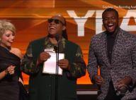 Grammy Awards 2016 : Stevie Wonder se moque du public, laissé à l'aveugle...