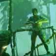 Mario Lopez retrouve Britney Spears dans les coulisses de son Piece Of Me Show et tente de reproduire l'un de ses numéros. Image extraite d'une vidéo publiée sur Youtube, le 15 février 2016.