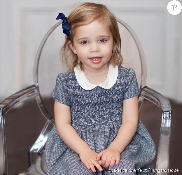 La princesse Leonore de Suède, fille de Madeleine de Suède et Christopher O'Neill, portrait pour ses 2 ans (le 20 février 2016) réalisé par Brigitte Grenfeldt.