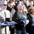 La famille d'Alexis Vastine - son père Alain, sa mère Sylvie - lors de ses obsèques en l'église Saint Ouen à Pont-Audemer le 25 mars 2015.