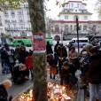 Des hommages devant le Bataclanà Paris,le 16 novembre 2015.