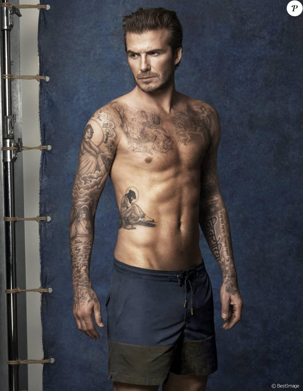 Bien-aimé David Beckham montre ses tatouages en présentant la ligne de  UL47