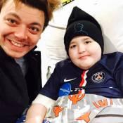 """Kev Adams bouleversé par la mort d'Ethan : Son hommage émouvant à """"un héros"""""""