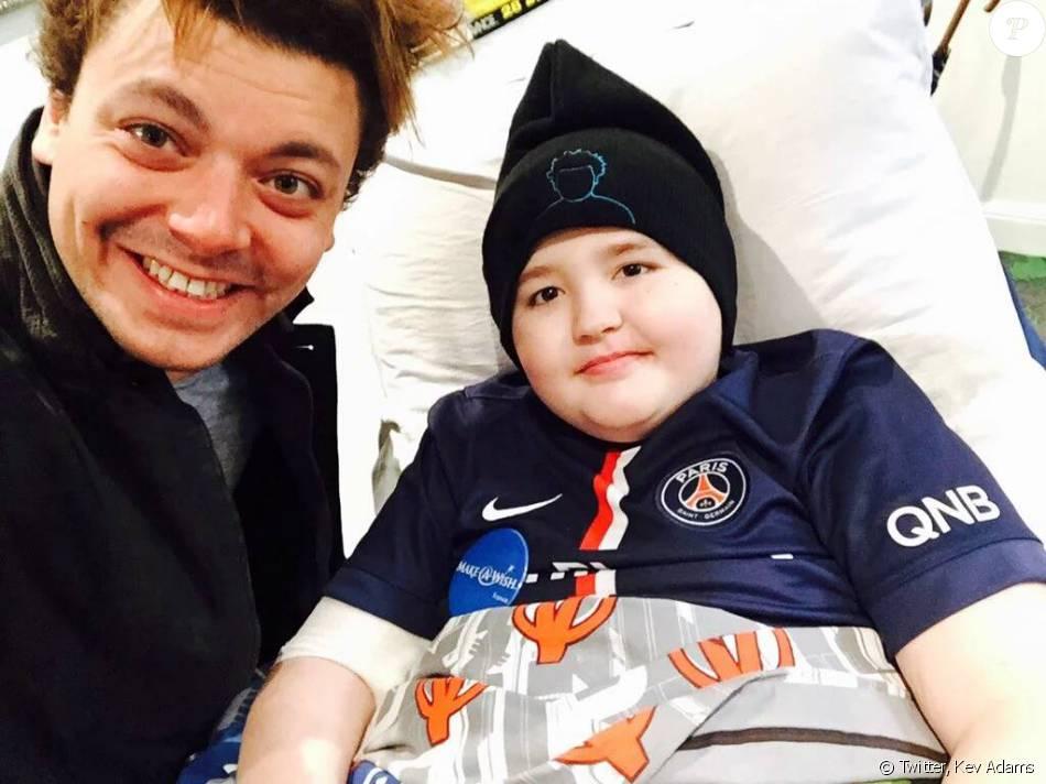 Kev Adams avec le jeune Ethan, décédé le 6 avril 2016.