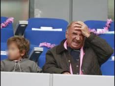 REPORTAGE PHOTOS : Claude Brasseur, champion du monde de grimaces pour son petit-fils !