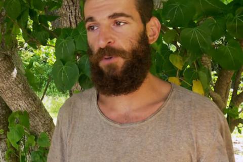 """Koh-Lanta 2016 - Julien, éliminé et en larmes : """"J'avais envie de me casser !"""""""