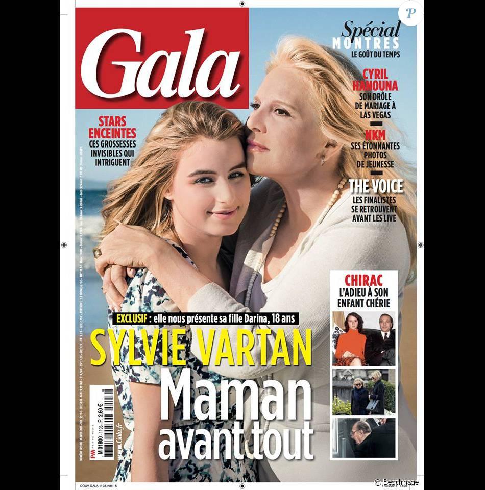"""Très Sylvie Vartan présente sa fille, Darina : """"Elle m'a apporté un  BZ06"""