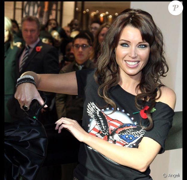 Dannii Minogue à l'ouverture de Westfield