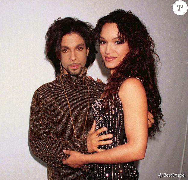 Prince et sa première épouse, Mayte Garcia, à Londres en juin 1999