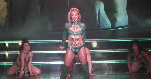 Britney Spears trahie par son body : Elle finit les seins