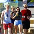 Exclusif - Gordon Ramsay emmène ses enfants Mathilda, Holly et Jack boire un café à Malibu le 14 février 2016.