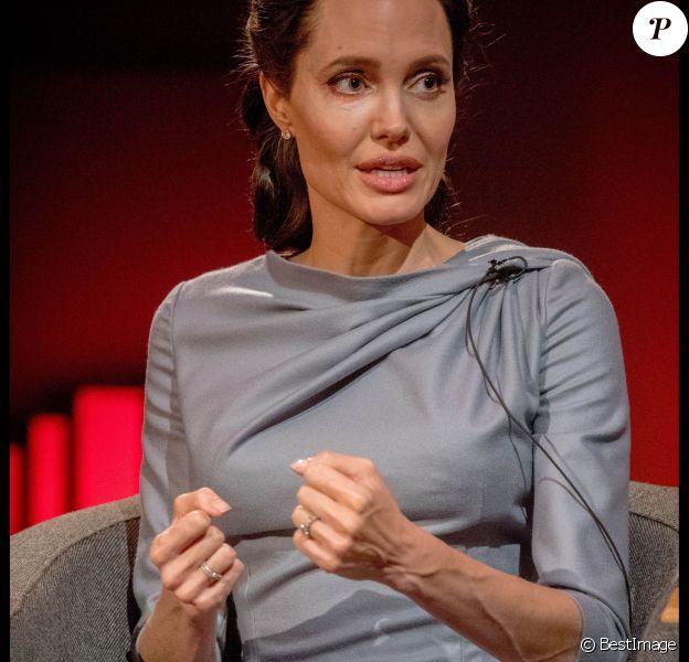 Angelina Jolie s'exprime à propos de la crise des réfugiés sur la BBC à Londres le 16 mai 2016.