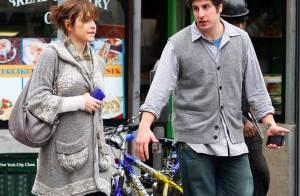 REPORTAGE PHOTOS : Jason Biggs, douce promenade avec sa femme...
