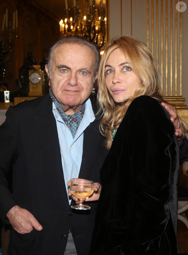 Emmanuelle Béart et son père Guyà Paris en 2012