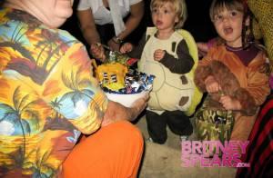 REPORTAGE PHOTOS : Sean et Jayden, les fils de Britney Spears, sont décidement... irrésistibles !