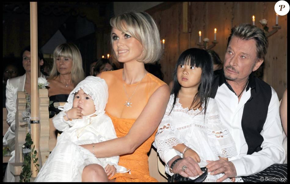 Exclusif johnny et laeticia hallyday et leurs filles joy et jade bapteme de joy hallyday en - Helene darroze et son mari ...