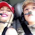 Gwen Stefani fête le 10e anniversaire de son fils Kingston en famille. Elle est accompagnée du chanteur country Blake Shelton. Ils sont tous allés faire un tour en hélicoptère. Photo publiée sur Snapchat, le dernier week-end du mois de mai 2016