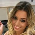 """Mélanie des """"Anges 8"""" souriante et décolletée sur Snapchat, le 12 mai 2016"""