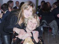 """Carla Bruni vue par sa mère : Une ado """"cachottière"""" qui faisait les """"400 coups"""""""