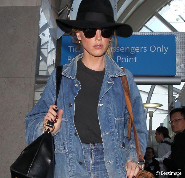 Amber Heard arrive à l'aéroport Lax de Los Angeles le 6 mai 2016.