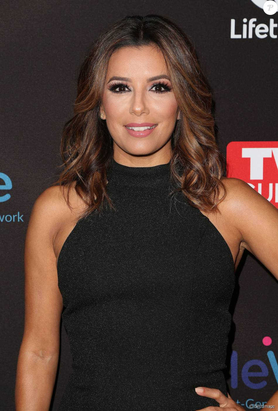eva longoria enceinte la premi re de devious maids saison 4 los angeles le 2 juin 2016. Black Bedroom Furniture Sets. Home Design Ideas