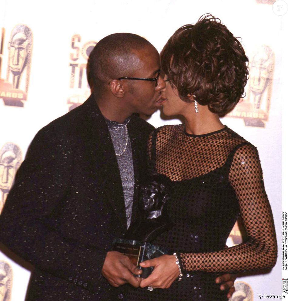 article analysis cissy houston on whitney Whitney houston's mother, cissy houston, says that she and niece dionne warwick have difficulty believing that the late superstar was molested by a cousin ― a claim put forth in the new.