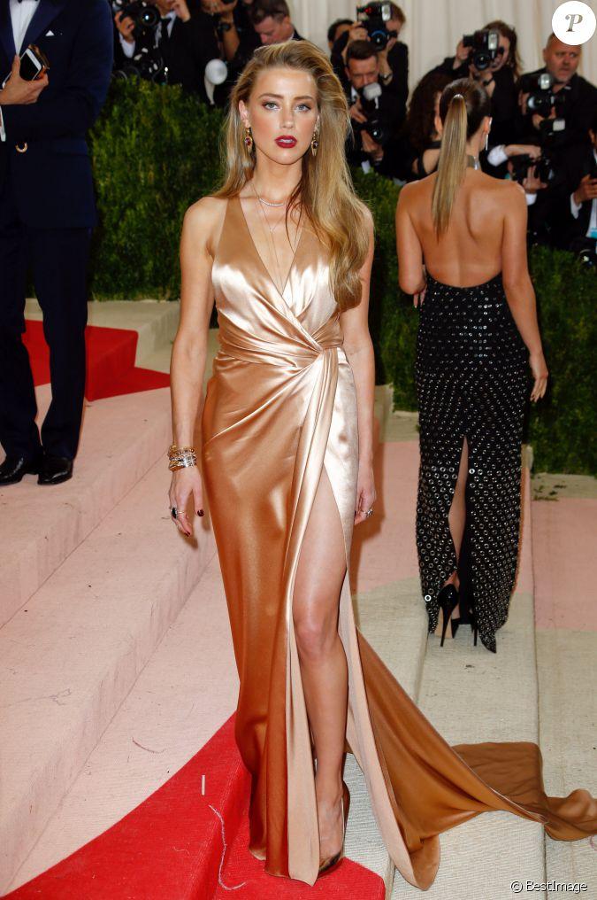 amber heard  robe ralph lauren   u00e0 la soir u00e9e costume institute benefit gala 2016  met ball  sur