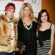 Kirstie Alley avec son fils William True Stevenson et sa fille Lillie Price Stevenson à New York le 17 mars 2010.