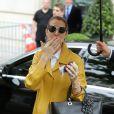 Céline Dion quitte son hôtel à Paris le 21 juin 2016.