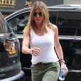 Jennifer Aniston dans la rue à New York, le 23 juin 2016.