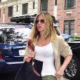 Jennifer Aniston se promène à New York, le 16 juin 2016.
