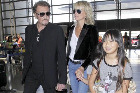 Johnny Hallyday avec Laeticia et ses filles : Retour stylé dans la capitale !