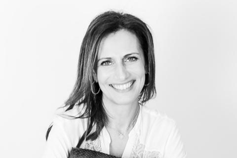 Isabelle Farrugia : Alerte fashion, vous allez l'avoir dans la peau !