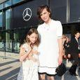 Milla Jovovich et sa fille Ever Gabo Anderson - Défilé Marc Cain (collection printemps-été 2017) au City Cube Panorama Bar. Berlin, le 28 juin 2016.