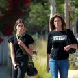 Kaia Gerber ressemble énormément à sa mère Cindy Crawford, toutes les 2 se promènent à Malibu, le 6 juin 2016.