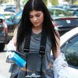 Kylie Jenner est allée déjeuner avec une amie à Calabasas le 24 avril 2016