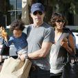 Halle Berry, son mari Olivier Martinez et leur fils Maceo lors d'une sortie shopping chez Burro à Malibu, le 25 janvier 2015