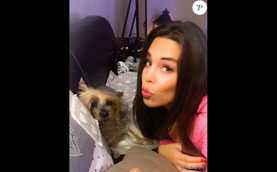 Kim (Les Marseillais) : selfie sur Instagram