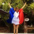 Laura Smet soutient les Bleus pour la finale de l'Euro depuis le Cap-Ferret en Gironde, le 10 juillet 2016.