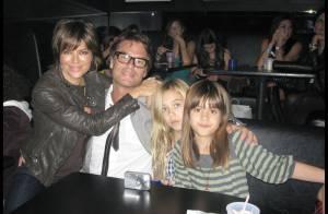 REPORTAGE PHOTOS : Lisa Rinna emmène ses filles et son mari à un concert privé... des Jonas Brothers !