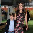 """Elizabeth Hurley et son fils Damian à la première du film """"Gnomeo & Juliet"""" à Londres le 30 janvier 2011"""