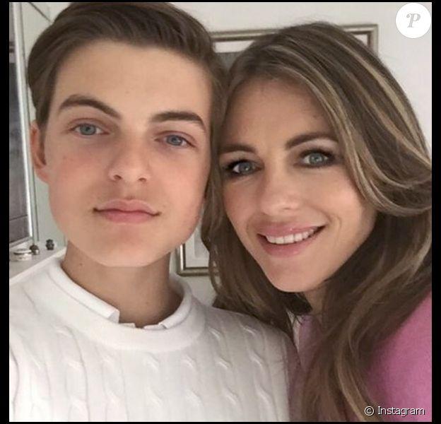 Elizabeth Hurley et son fils Damian, 14 ans. (Juin 2016).